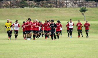 Hokkaido Consadole Sapporo Settles In At UH Manoa Practice